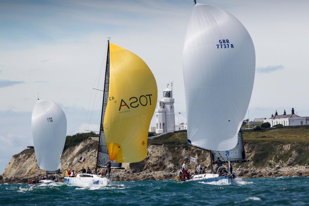 Race around Isle of Wight